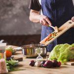 Gør madlavningen nemmere og hurtigere med køkkenmaskiner